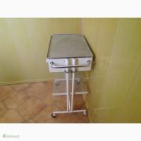 Продам медицинский столик