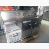 Маленький холодильный стол б/у. и м.д