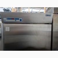 Шкаф холодильный Gram K 625 бу. Холодильник промышленный