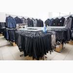 Продам торгове обладнання (меблі і стелажі) з магазину одягу та взуття