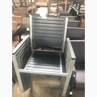 Продам б/у уличные стулья для кофеен, баров