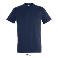 Яркие футболки в ассортименте