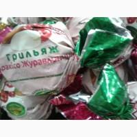 Клубника в шоколаде. Шоколадные конфеты в ассортименте от производителя