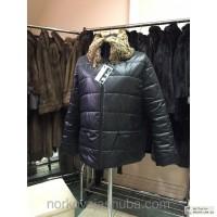Молодежная демисезонная куртка с меховым воротом из новой коллекции 2015 года