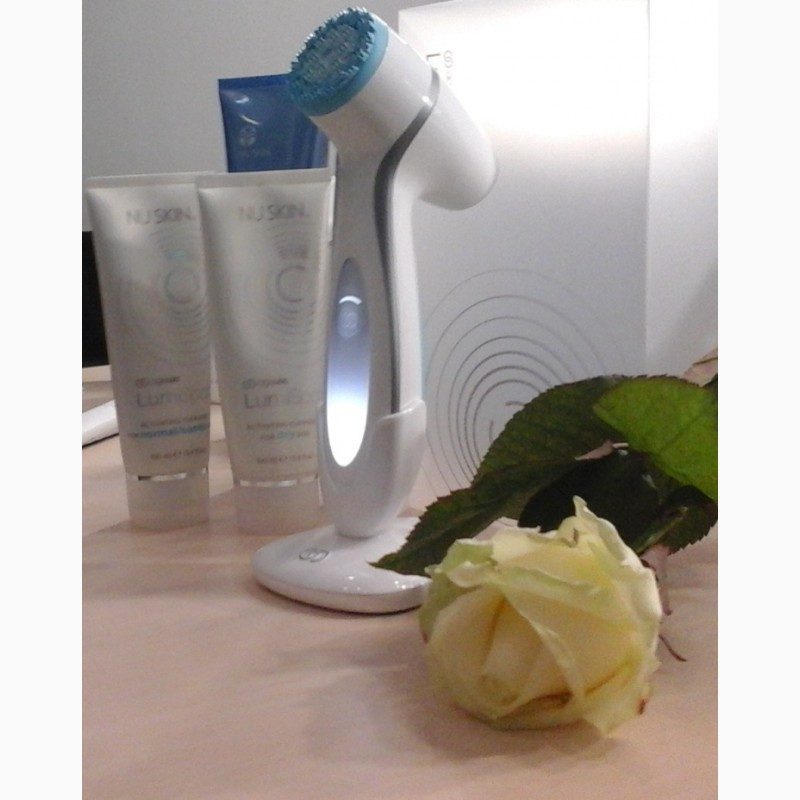 Фото 4. Набор для глубокого очищения кожи ageLOC LumiSpa