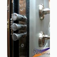 Двери входные металлические с отделкой МДФ, и натуральным деревом