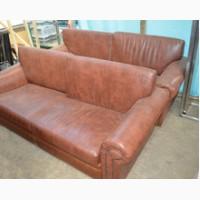 Продам диван б/у кожзам коричневый со съёмными подушками для кафе, бара, ресторана