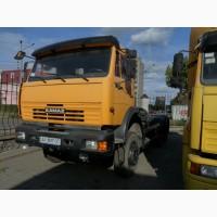 Универсальный полноприводный автомобиль на базе КамАЗ-65111 с лебедкой, седлом и фаркопом