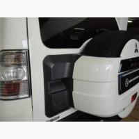 Фонарь задний левый стоп на Mitsubishi Pajero Wagon 4.2010 г