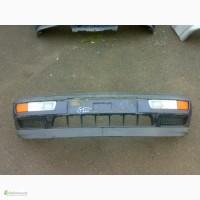 Продам оригинальный передний бампер с ПТФ на VW Golf 3