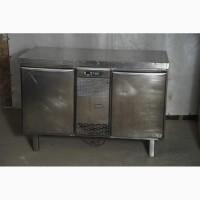 Маленький холодильный стол б/у в рабочем состоянии