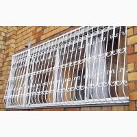 Решетки металлические на окна балконные