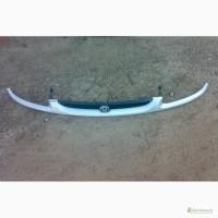 Продам оригинальную решетку радиатора Mazda 626
