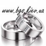 Классические широкие золотые обручальные кольца