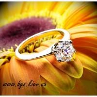 Классическое помолвочное кольцо белое золото с бриллиантом