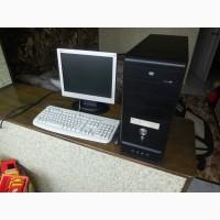 Компьютер в сборе - системный блок, монитор, клавиатура, мышка