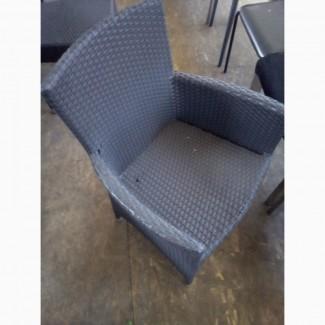 Кресло б/у с подлокотниками из искуственного ротанга для кафе, бара, ресторана